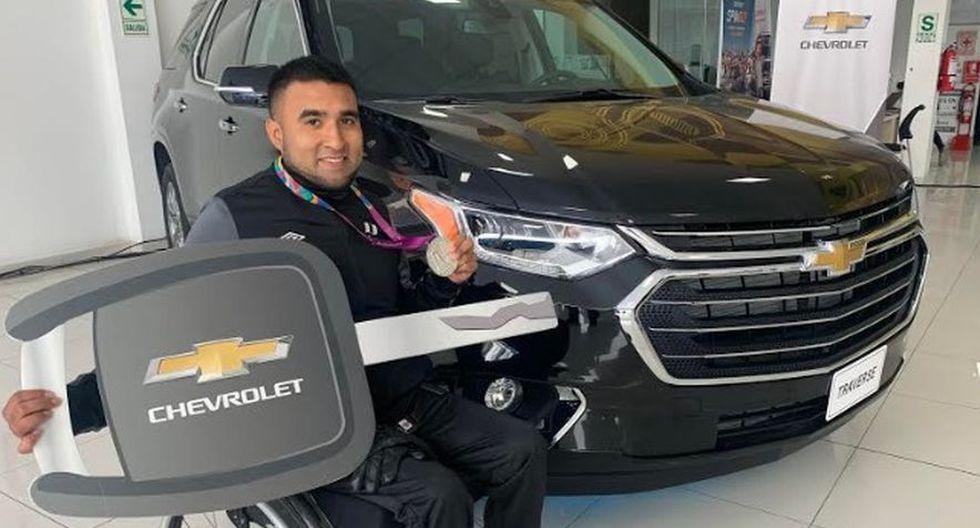 ¡Buena! Paradeportista Jorge Arcelarecibió camioneta valorizada en más de 50 mil dólares