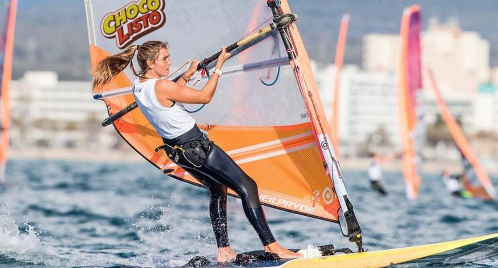 María Belén Bazo compite en la modalidad de Tabla Vela Femenina. (Sailing Energy)