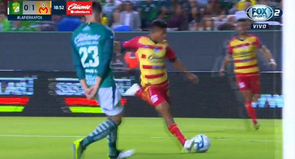 Edison Flores remató, la pelota se desvió y Achilier anotó para Morelia. (Twitter)
