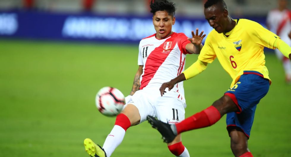 Perú vs. Ecuador juegan en el Estadio Nacional. (Foto: Giancarlo Ávila)