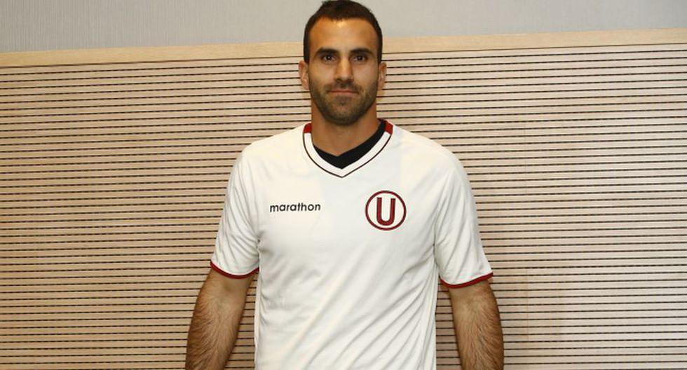 Carvallo mostró su alegría por volver a vestir la camiseta de Universitario. (Foto: Francisco Neyra)