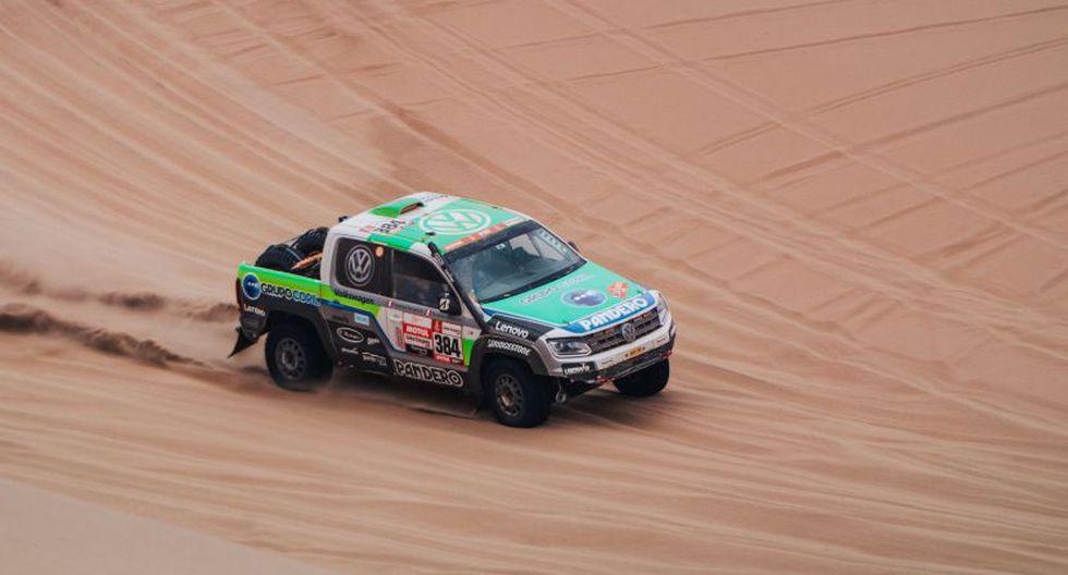 Los Ferrand corren a bordo de la Amarok V6. (Molina y Vivanco Comunicaciones)